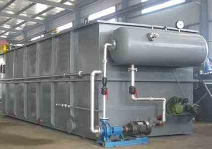 气气浮污水处理机为钢制结构,其工作原理是:空气通过泵送入压力溶气罐